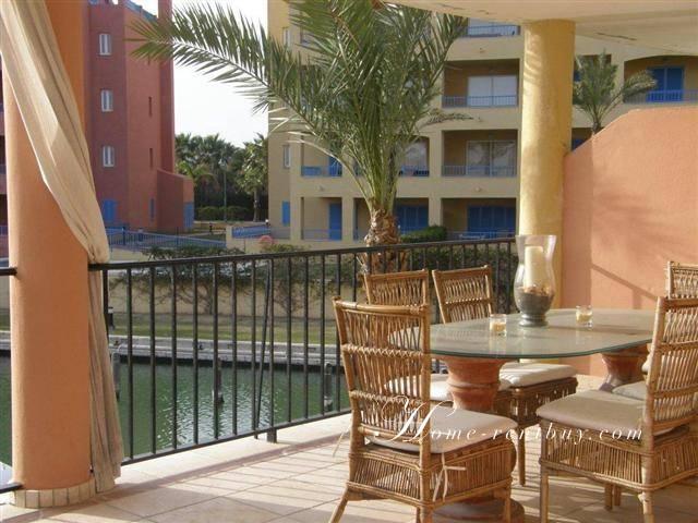 Квартира возле моря в испании